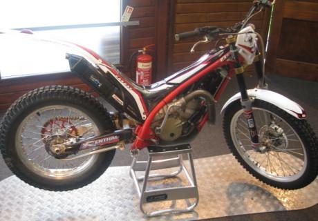 Eddies Vintage Motorcycles 79